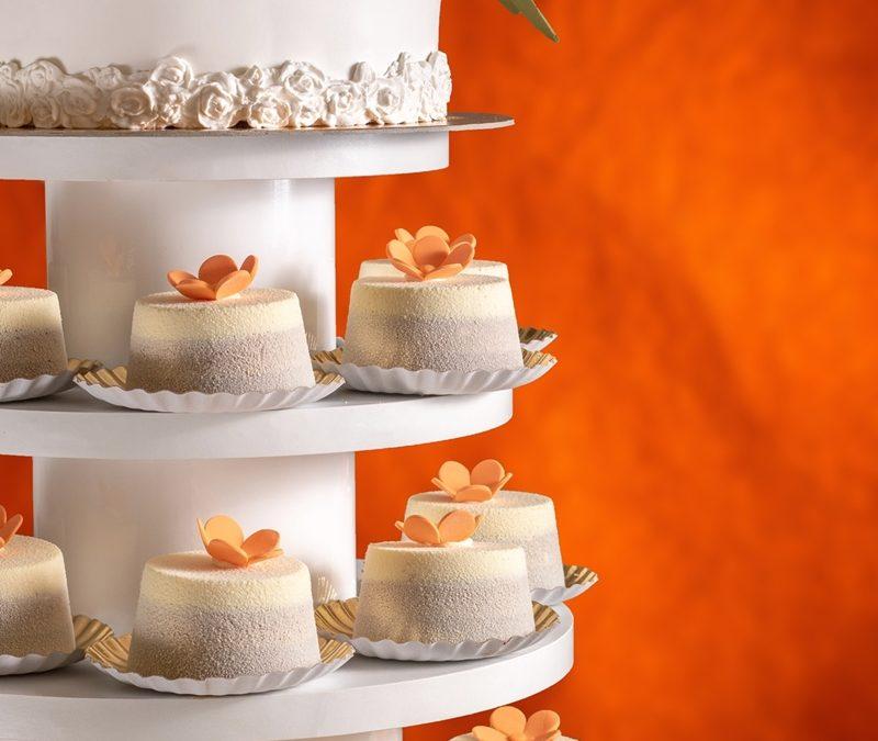 Tort nunta cu mini-tortulete – Orange